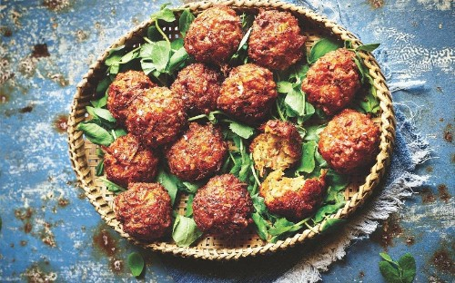 Carrot, halloumi and dill balls recipe