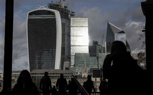 'Alarm bells' as confidence falls in finance services sector