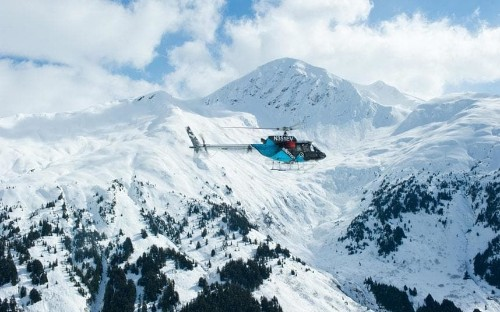 360-degree video gives a pilot's eye view of heli-skiing in the Alaskan wilderness