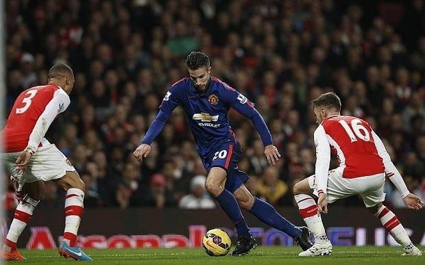 Robin van Persie, Manchester United's 'caravan puller', makes history with only 13 touches