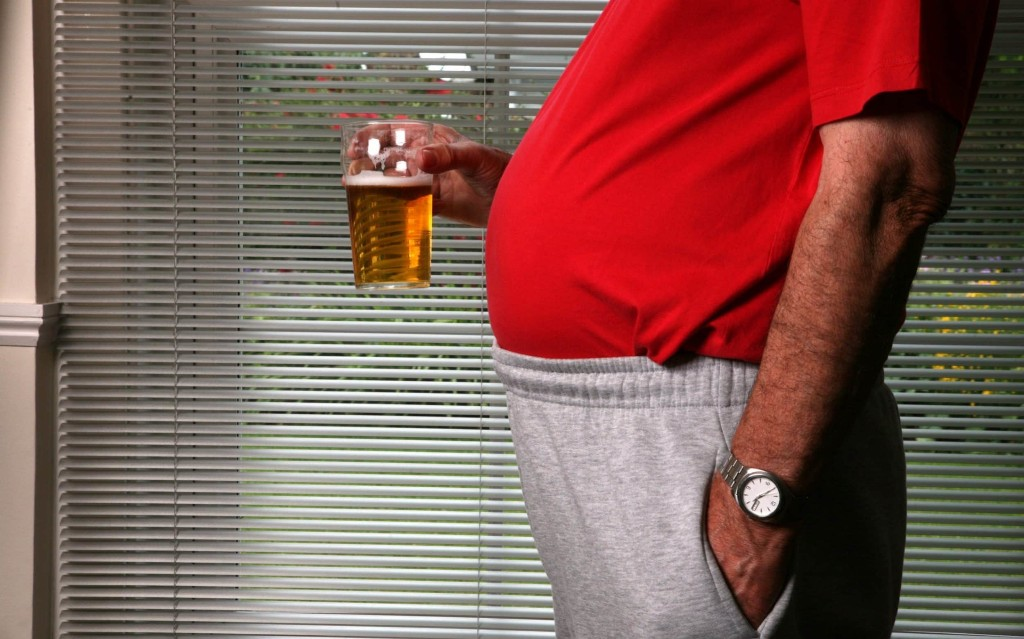 Heavy drinking adds four centimetres to your waistline, UCL study finds