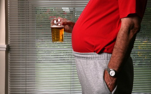 Heaving drinking adds four centimeters to your waistline, UCL study finds