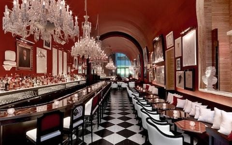 8 cool bars in New York hotels