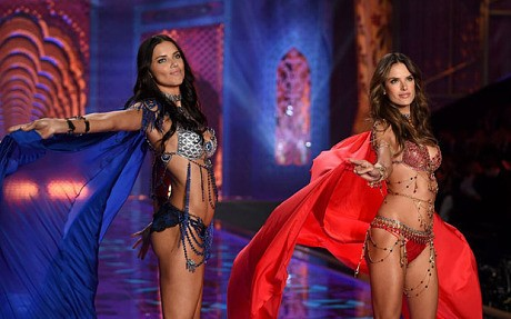 How to get the body of a Victoria's Secret model