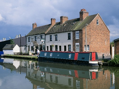 10 great journeys on British waterways
