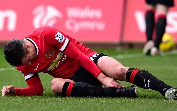 Man Utd transfer news and rumours: Robin van Persie out; Edinson Cavani in