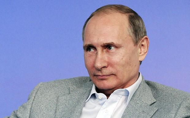 Vladimir Putin orders destruction of 'contraband' Western food