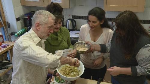 Jeremy Corbyn cooks up a storm at homeless centre