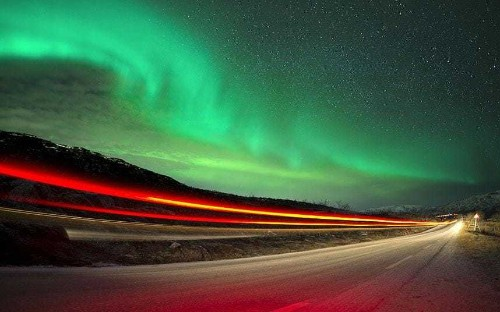 Northern Lights lure Britons to Iceland