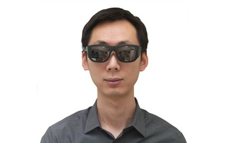 CES 2014: Smart contact lenses 'give you superhuman vision'