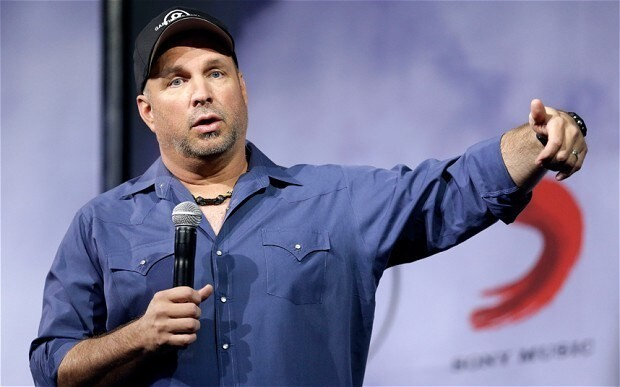 Garth Brooks offers to 'beg' the Irish PM to intervene in concerts row
