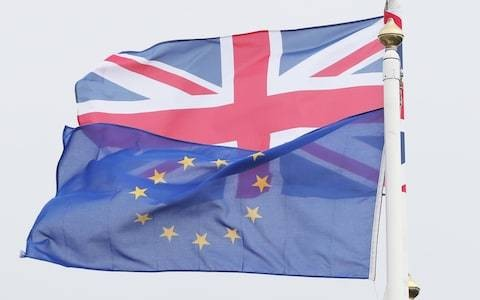 Net EU migration rises amid uncertainty over Brexit