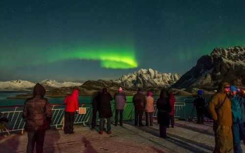 Cruise line promises free return trip if Northern Lights don't show