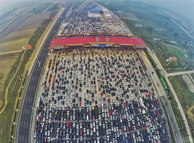 World's worst traffic jam? Thousands of cars left stranded on motorway in China