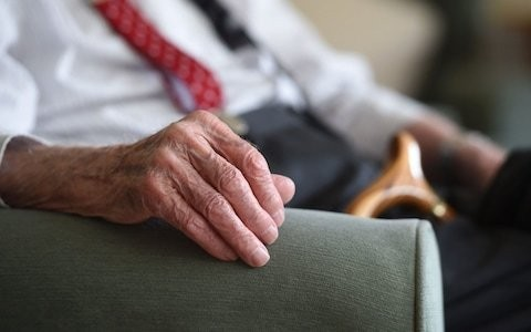 Five-minute neck scan could spot dementia 10 years before symptoms develop