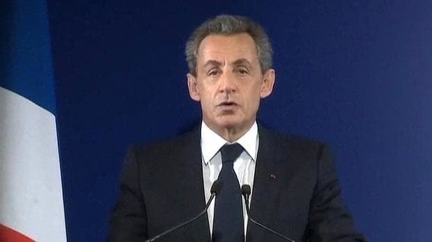 Nicolas Sarkozy crashes out of French Right-wing primaries as Thatcherite François Fillon comes spectacular first
