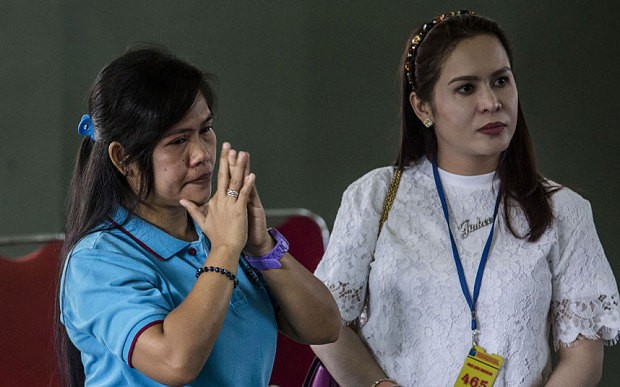 Manny Pacquiao visits Filipina woman on death row