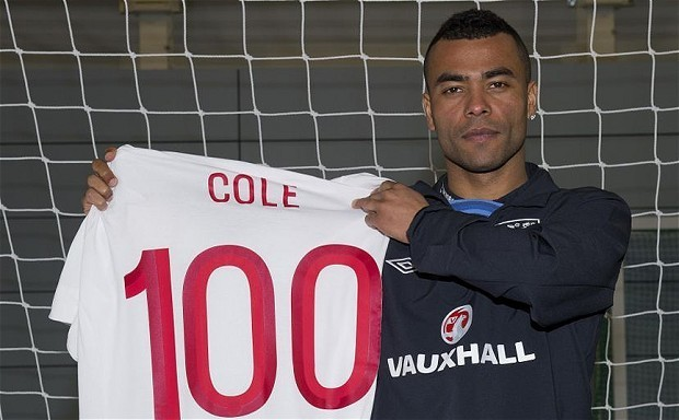 England v Republic of Ireland: Roy Hodgson U-turns and names Ashley Cole captain after announcement bungle