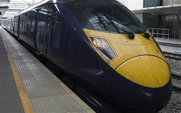 David Cameron announces free WiFi on UK trains by 2017