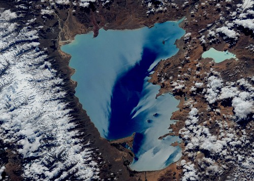 Tim Peake's staggering space photos render Earth unrecognisable