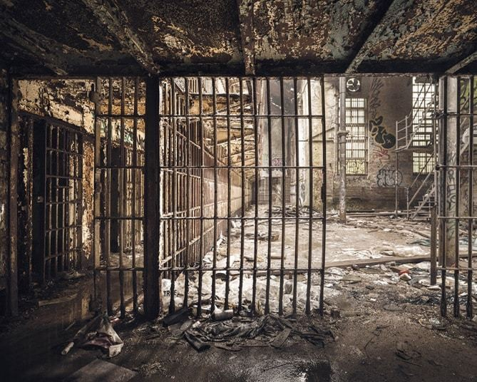 Abandoned jail in pictures: Photographer visits spooky prison in the US - Telegraph