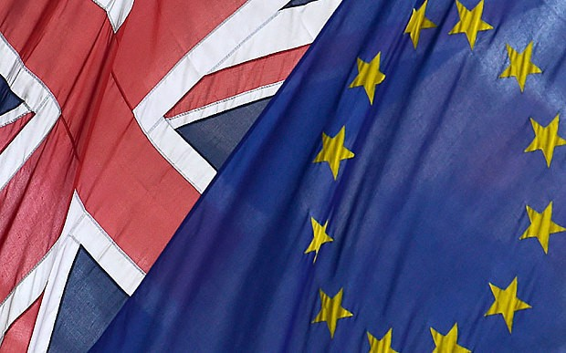 UK's credit rating downgraded to 'negative' by S&P on EU referendum risk