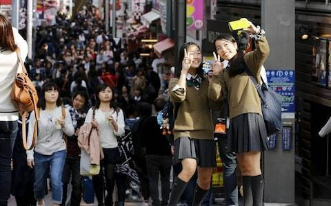 Campaign grows to stop Japanese schools forcing pupils to dye hair black