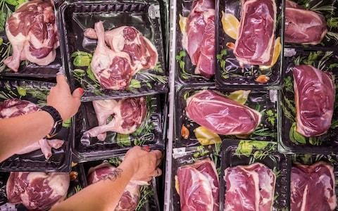 Red meat row: Major review concludes cancer link is 'weak'