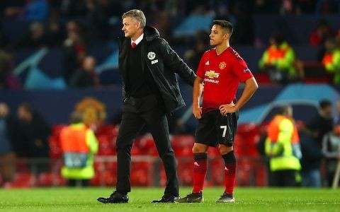 Ole Gunnar Solskjaer warns Alexis Sanchez and Manchester United team-mates: 'We cannot afford to carry players'