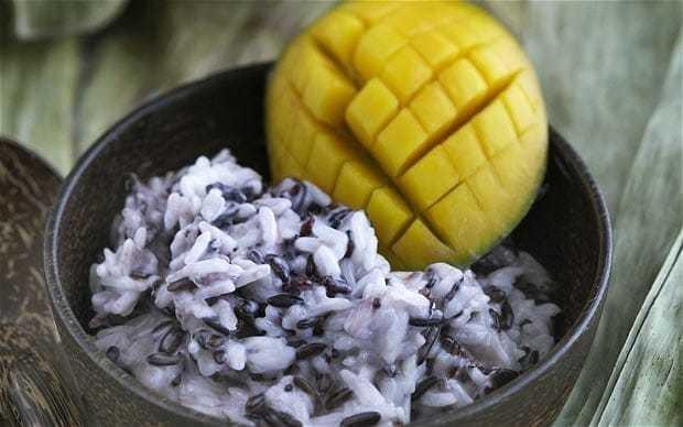 Sticky rice with coconut milk and mango recipe