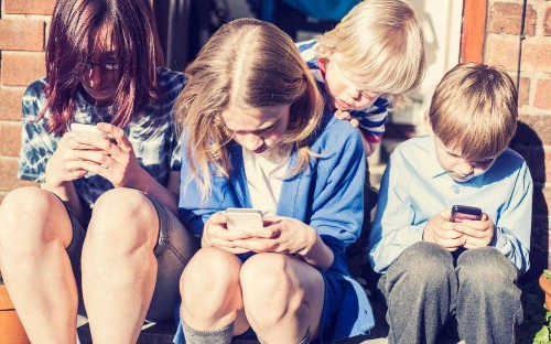Underage children could be blocked from using social media sites