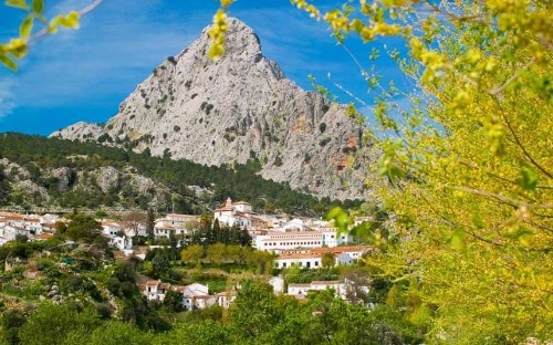 Andalusia: On the timeless trails of the high sierras