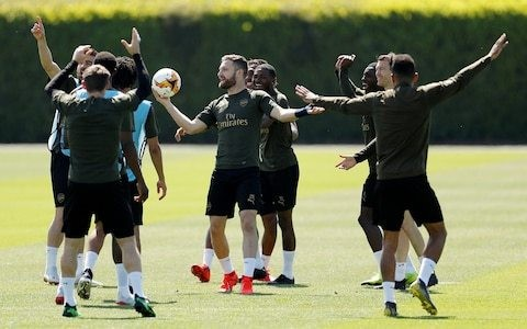 Shkodran Mustafi says Arsenal will not be fazed by Chelsea's big finals experience