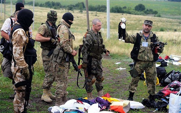 MH17: rebels accused of hiding evidence amid chaotic effort to recover bodies