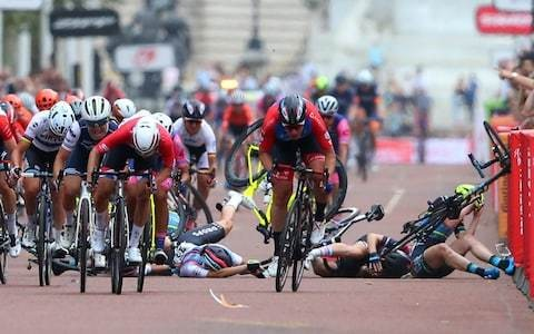 Horror crash mars conclusion to RideLondon Classique as Kirsten Wild stripped of victory