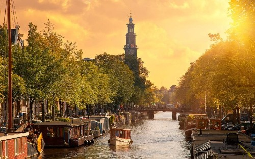 12 books to read if you want to understand the Dutch