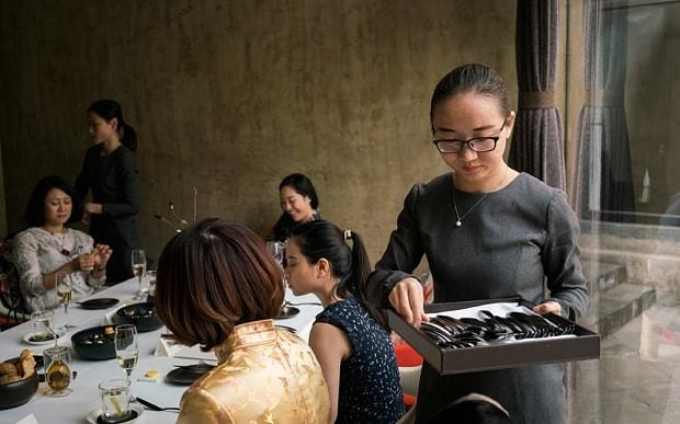 China takes a shine to fancy English mannners