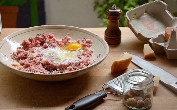 Classic Italian meatballs in tomato sauce recipe