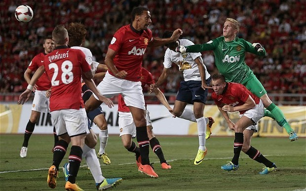 David Moyes loses first game in charge of Manchester United as Singha All-Star XI win 1-0 in Bangkok