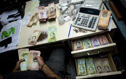 Meet the bachaqueros: the Venezuelans turning to the black market to survive