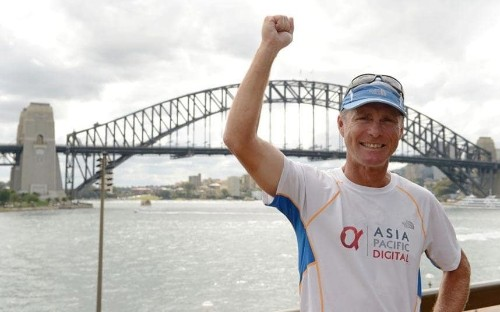 Australian becomes fastest to go around the world on foot