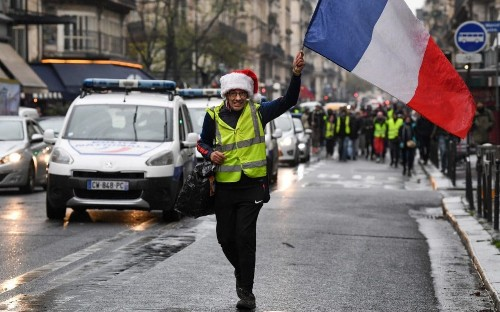 Yellow vests call for France to hold regular referendums