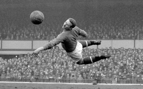 Harry Gregg, Manchester United and Northern Ireland goalkeeper, and hero of the Munich air disaster – obituary