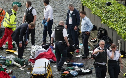 Unarmed police officers ran for lives as Khalid Masood went on Westminster rampage, CCTV reveals