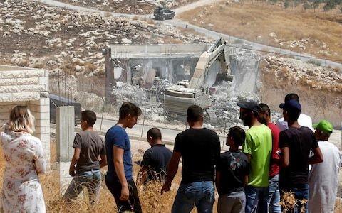 Israeli crews demolish Palestinian homes in major operation in east Jerusalem