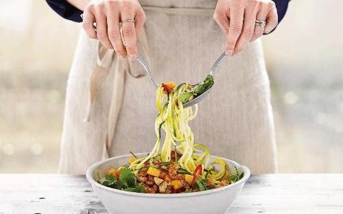 Thai-inspired spiralised salad