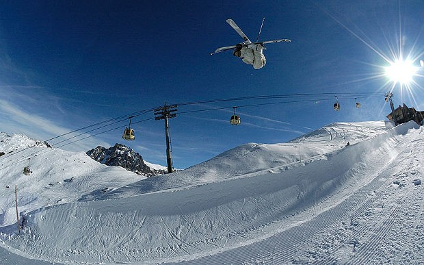 British teenager dies in skiing accident on French Alps