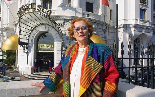 Jeanne Augier, formidable owner of the famed Hotel Negresco in Nice who once told Bill Gates that he could not afford to buy it – obituary