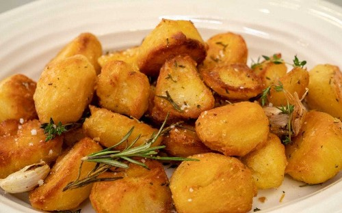 The secret to perfect roast potatoes: crunchy, golden and fluffy inside