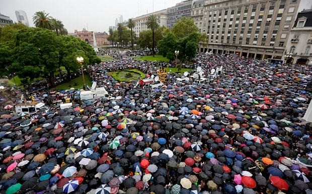 More than 400,000 rally in Buenos Aires over prosecutor's death